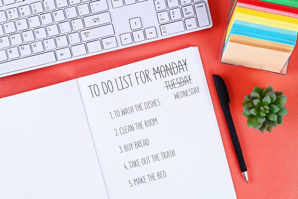 membuat daftar tujuan hidup di waktu luang