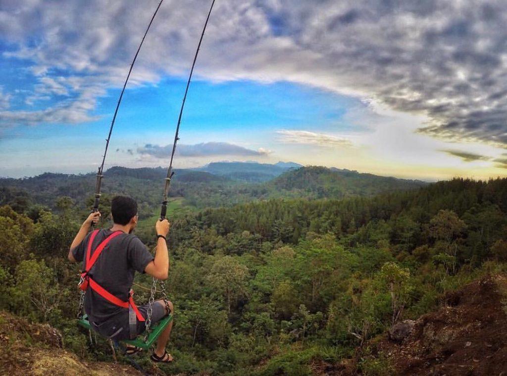 ayunan langit watu jaran indonesia