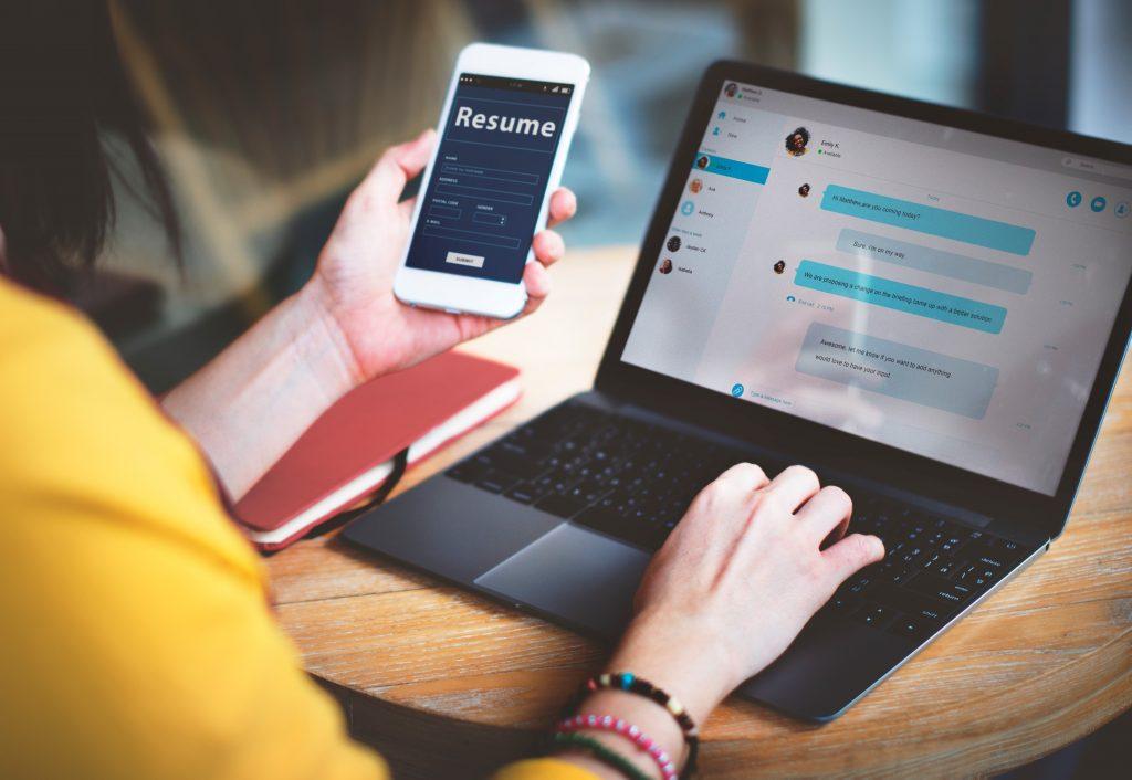 melamar pekerjaan di era digital