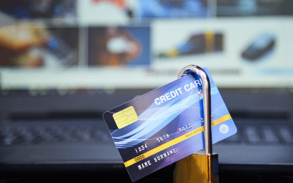 penipuan online dengan kartu kredit