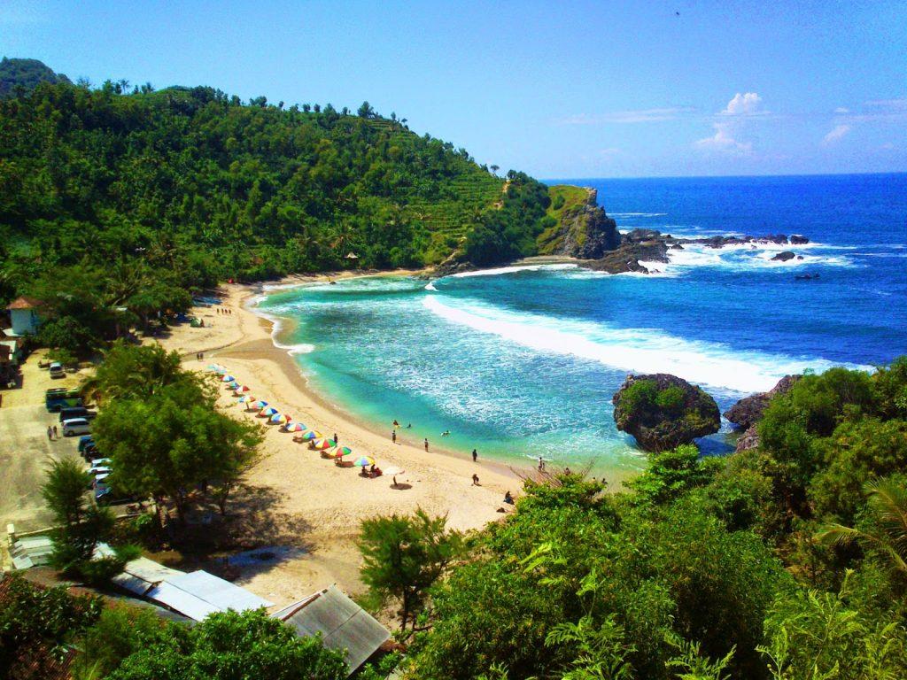 pantai nglambor indonesia