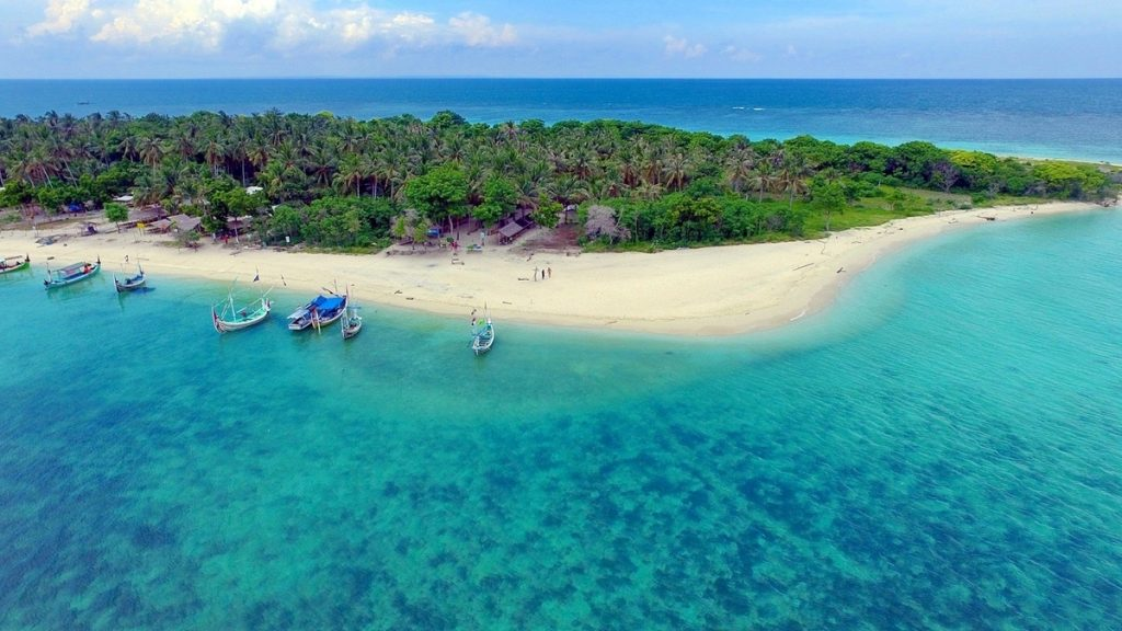 hidden paradise gili labak indonesia