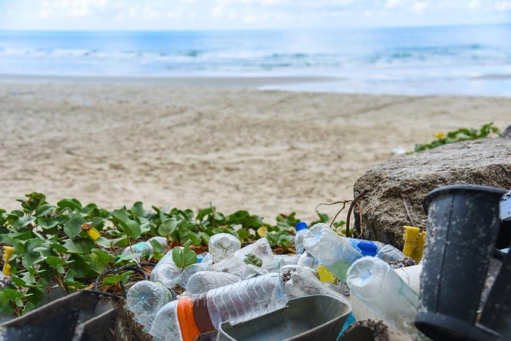 plastik yang menjadi sampah